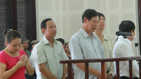Khởi tố vụ án ra quyết định trái pháp luật trong kỳ án gỗ trắc lậu ở Đà Nẵng - Ảnh 1.