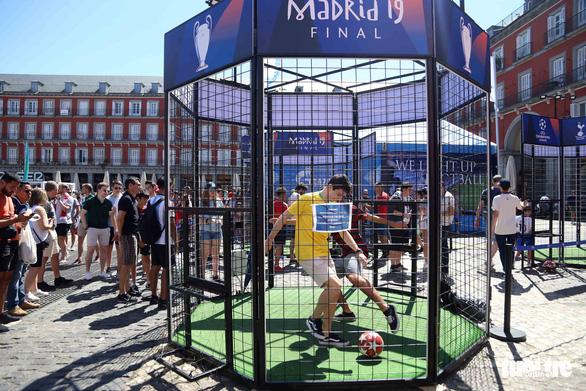 Madrid nhuộm màu nhộn nhịp trước chung kết Champions League 2019 - Ảnh 4.
