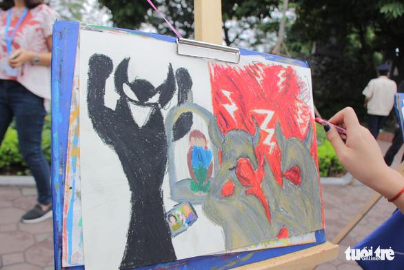 Trẻ em gửi thông điệp chống xâm hại, chống bạo lực qua tranh vẽ - Ảnh 5.