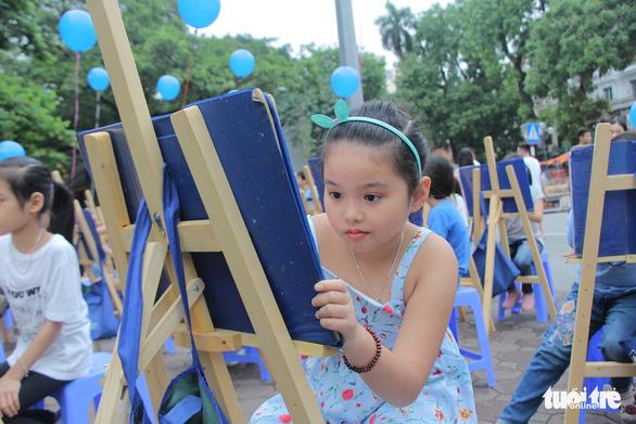 Trẻ em gửi thông điệp chống xâm hại, chống bạo lực qua tranh vẽ - Ảnh 4.