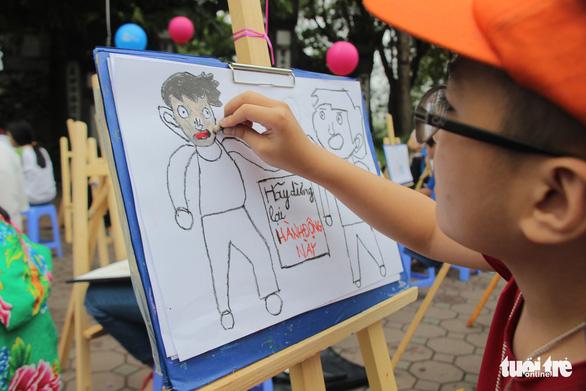 Trẻ em gửi thông điệp chống xâm hại, chống bạo lực qua tranh vẽ - Ảnh 6.