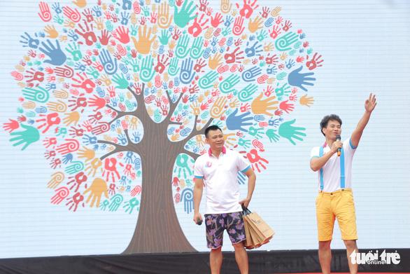 Trẻ em gửi thông điệp chống xâm hại, chống bạo lực qua tranh vẽ - Ảnh 2.