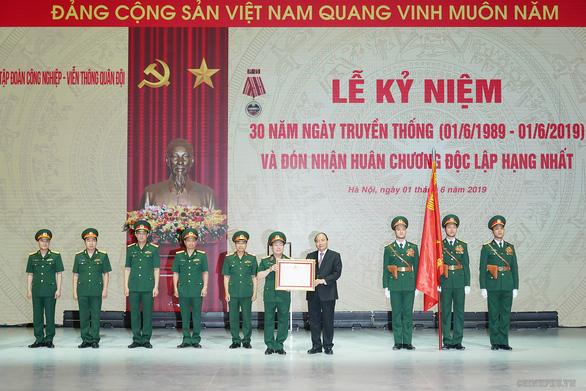Thủ tướng muốn Viettel vươn lên sánh vai với Huawei, Google, Facebook - Ảnh 1.