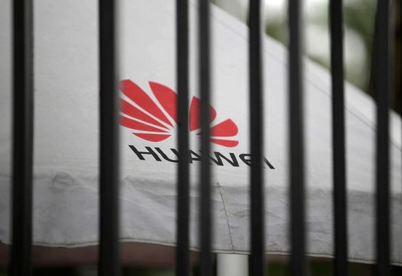 Doanh nghiệp công nghệ yêu cầu nhân viên dừng trao đổi thông tin với Huawei - Ảnh 1.