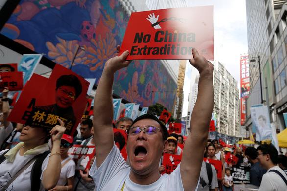 Bất chấp biểu tình, lãnh đạo Hong Kong quyết thông qua luật dẫn độ - Ảnh 2.