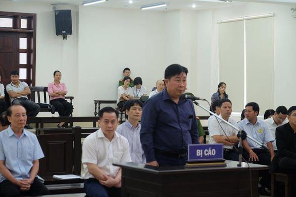 Cựu thứ trưởng Trần Việt Tân: Không kêu oan, cựu thứ trưởng Bùi Văn Thành: Xin án treo - Ảnh 3.