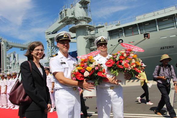 Tàu hải quân Hoàng gia Canada cập cảng quốc tế Cam Ranh - Ảnh 3.