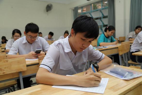 Mời xem điểm chuẩn lớp 10 tất cả các trường ở TP.HCM - Ảnh 1.