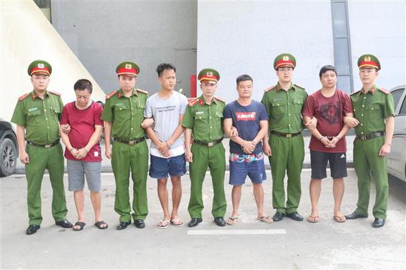 Bắt được trùm buôn lậu tổ yến trị giá hơn 7.000 tỉ đồng - Ảnh 1.