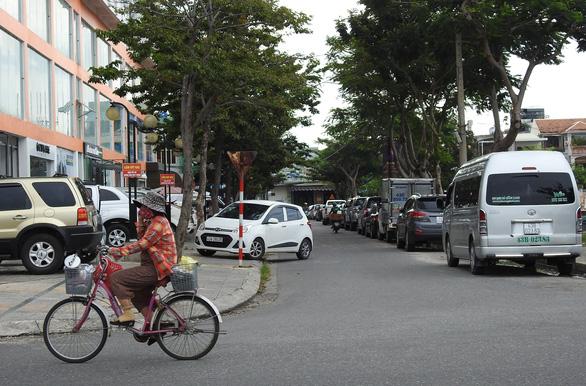 Gian nan đầu tư bãi giữ ôtô ở Đà Nẵng - Ảnh 1.