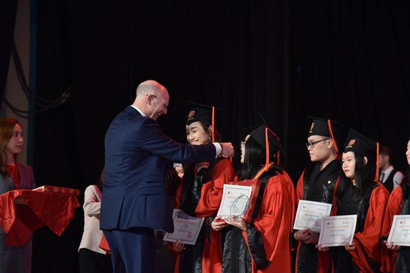 17 học sinh VAS đoạt học bổng trị giá hơn 2 triệu USD - Ảnh 1.