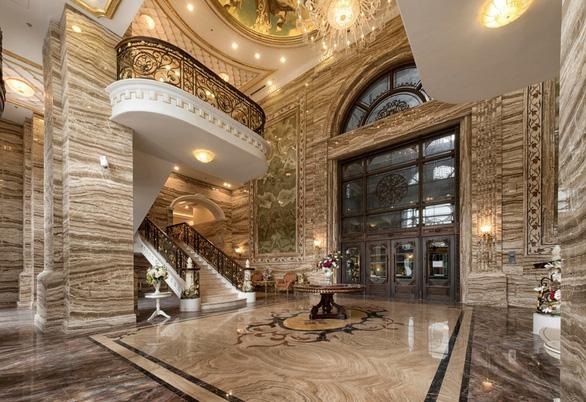 D. Palais Louis mê hoặc khách hàng như thế nào? - Ảnh 4.