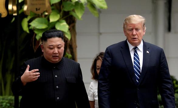 Ông Trump nhận thư mới từ ông Kim Jong Un - Ảnh 1.