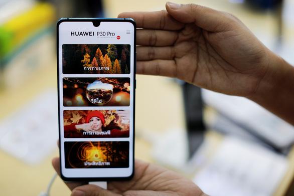 Huawei dùng hệ điều hành của Nga thay Android của Google - Ảnh 1.