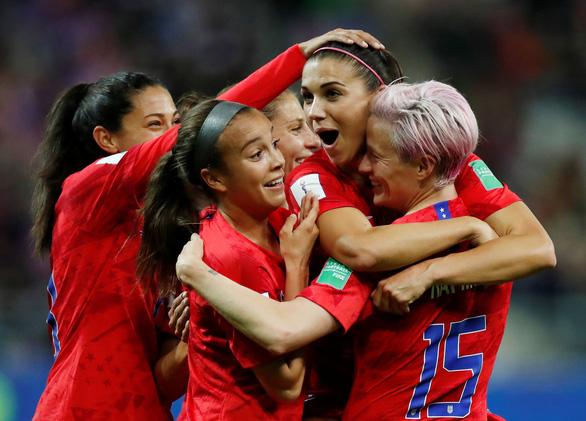 Tuyển nữ Thái Lan thảm bại với tỉ số không tưởng 0-13 trước Mỹ - Ảnh 1.