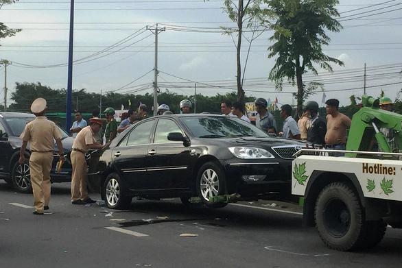 Làm rõ vụ xô xát bao vây xe ở Đồng Nai có liên quan công an hay không - Ảnh 3.