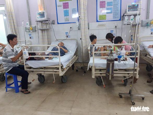 7 bà cháu hôn mê nghi bị ngạt thở trong nhà, một bé nhỏ đã chết - Ảnh 2.