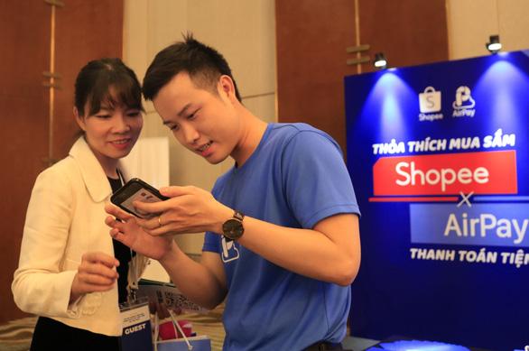 Phó thủ tướng Vương Đình Huệ đánh giá cao sáng kiến Ngày không tiền mặt - Ảnh 1.