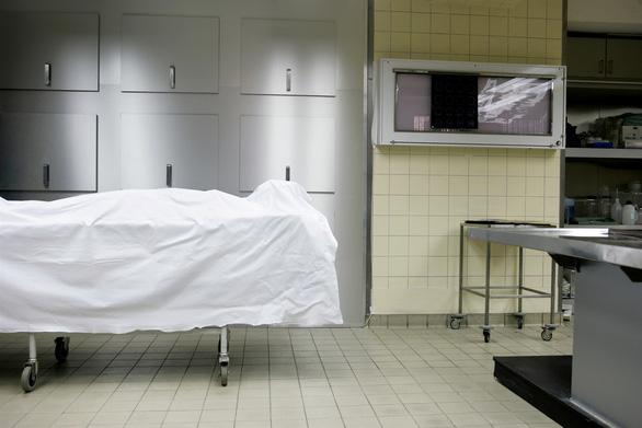 Tỉ lệ tử vong vì tự tử và bia rượu ở Mỹ đang báo động - Ảnh 1.