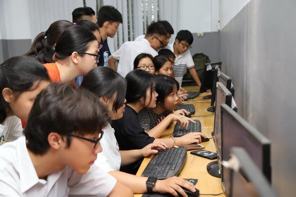 TP.HCM công bố điểm thi lớp 10 - Ảnh 1.