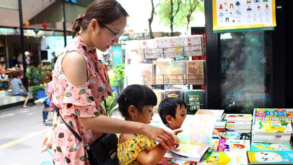 Sách cho trẻ đọc trong mùa này có hương vị gì lạ lẫm không? - Ảnh 2.