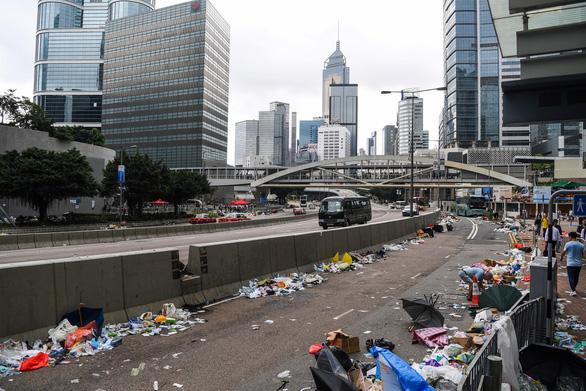 Hong Kong dần trở về nhịp sống bình thường sau những ngày hỗn loạn - Ảnh 11.