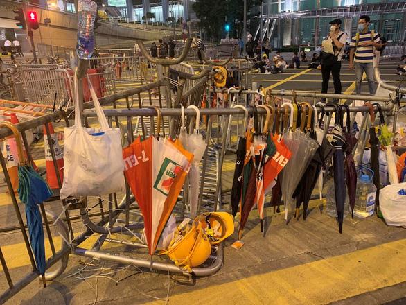 Hong Kong dần trở về nhịp sống bình thường sau những ngày hỗn loạn - Ảnh 6.