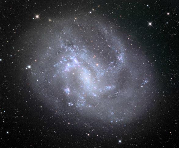 Lần đầu phát hiện hố đen vũ trụ khối lượng trung bình - Ảnh 1.