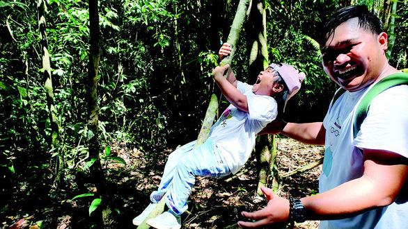 Hè cho con vô rừng giải ngố, học kỹ năng sinh tồn - Ảnh 2.