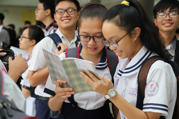 TP.HCM sẽ công bố điểm chuẩn tuyển sinh lớp 10 vào sáng 3-7 - Ảnh 1.