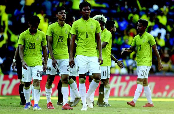 Khoảng lặng bóng đá Thái Lan: Chúng tôi đã thực sự bị Việt Nam vượt mặt - Ảnh 1.