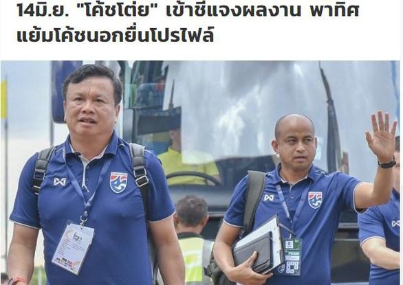 HLV Thái Lan bị buộc giải trình lý do thua Việt Nam ở Kings Cup 2019 - Ảnh 1.