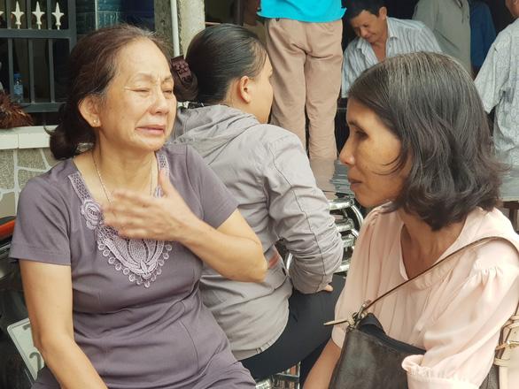 Tai nạn 5 người chết: Đau xót cảnh 4 quan tài trong căn nhà ở Gò Dầu - Ảnh 1.