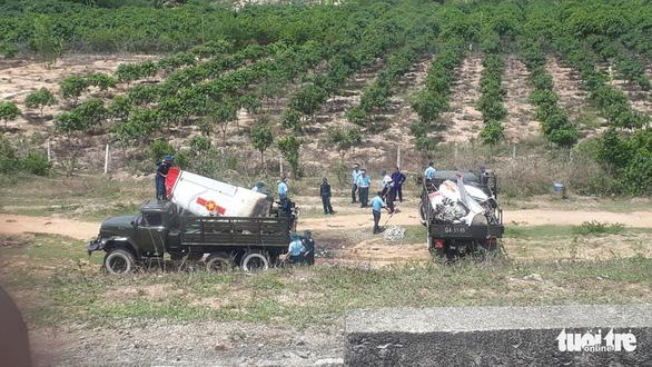 Máy bay quân sự rơi ở Khánh Hòa, 2 phi công tử nạn - Ảnh 6.