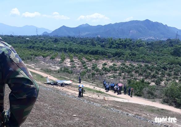 Máy bay quân sự rơi ở Khánh Hòa, 2 phi công tử nạn - Ảnh 5.