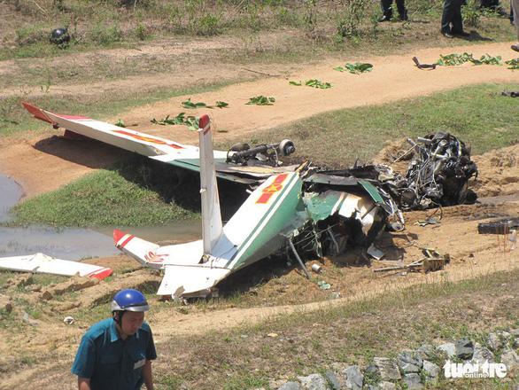 Máy bay quân sự rơi ở Khánh Hòa, 2 phi công hi sinh - Ảnh 2.
