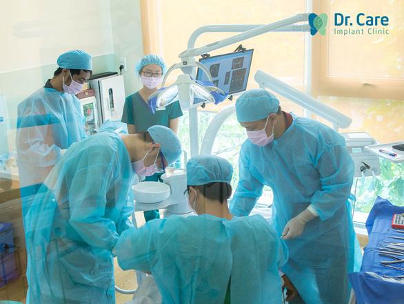 Nha khoa chuyên sâu trồng răng Implant cho người trung niên - Ảnh 3.