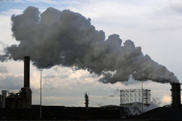 Canada đề xuất tăng gấp đôi thuế carbon để chống biến đổi khí hậu - Ảnh 1.