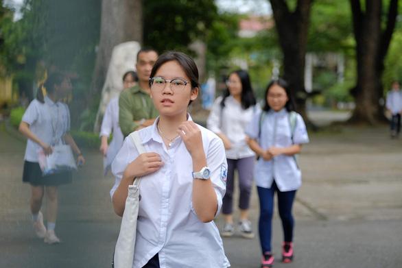 Hà Nội công bố điểm chuẩn vào 4 trường THPT chuyên - Ảnh 2.