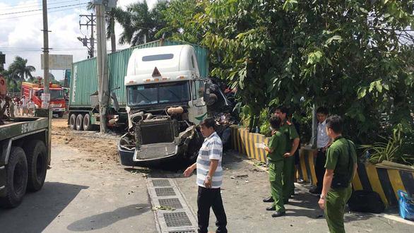 Vụ tai nạn 5 người chết: Đưa mẹ 88 tuổi lên Sài Gòn chữa bệnh thì gặp nạn - Ảnh 1.