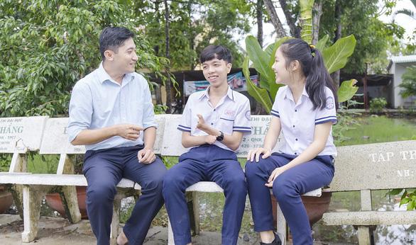 Hai ngón tay kỳ diệu của Trần Trí Thức, 17 tuổi - Ảnh 1.