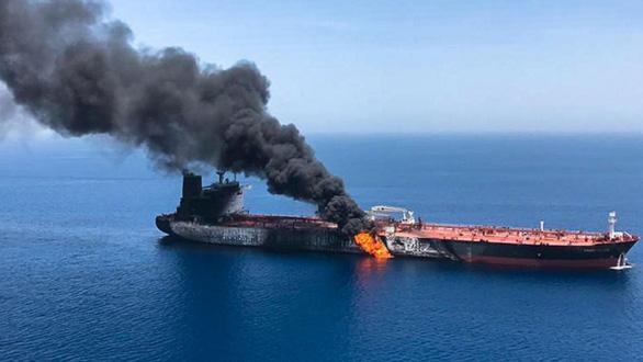 Ông Trump buộc tội thẳng Iran và nói 'không bỏ qua' vụ tàu chở dầu - Ảnh 1.