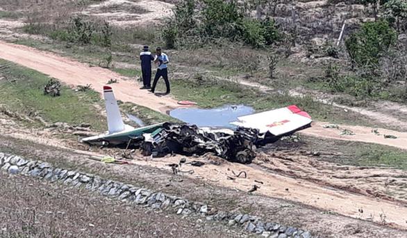 Phi công đã xử lý hạ cánh máy bay quân sự nhưng không thành công - Ảnh 1.