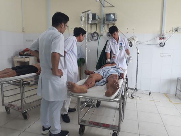 Nạn nhân bàng hoàng kể lại vụ nổ xăng dầu ở Khánh Hòa - Ảnh 1.