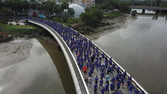 Hàng ngàn VĐV dự Giải việt dã hưởng ứng Ngày không tiền mặt - Ảnh 12.