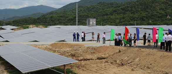 Ninh Thuận khánh thành nhà máy điện mặt trời thứ 6 - Ảnh 1.