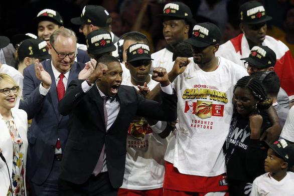 Raptors Toronto làm bóng rổ Mỹ... khóc - Ảnh 1.