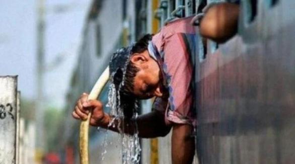 Nắng nóng 45 độ cướp gần 50 sinh mạng ở một bang Ấn Độ - Ảnh 2.