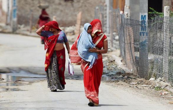 Nắng nóng 45 độ cướp gần 50 sinh mạng ở một bang Ấn Độ - Ảnh 3.