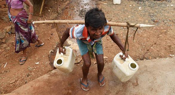 Nắng nóng 45 độ cướp gần 50 sinh mạng ở một bang Ấn Độ - Ảnh 4.